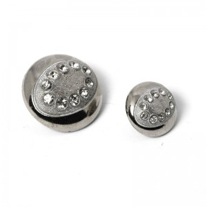 metal effect button with particular rhinestones